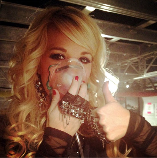 Carrie Underwood oxygen